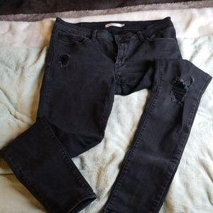 Black Levi's 711 skinny jeans